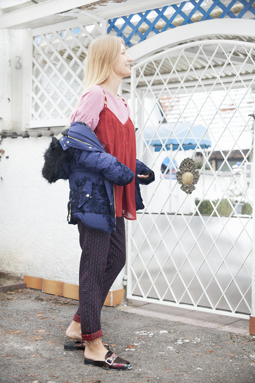 desigual_jacket_desigual_trousers_vivalamoda_blog_alexandra_seifert_9