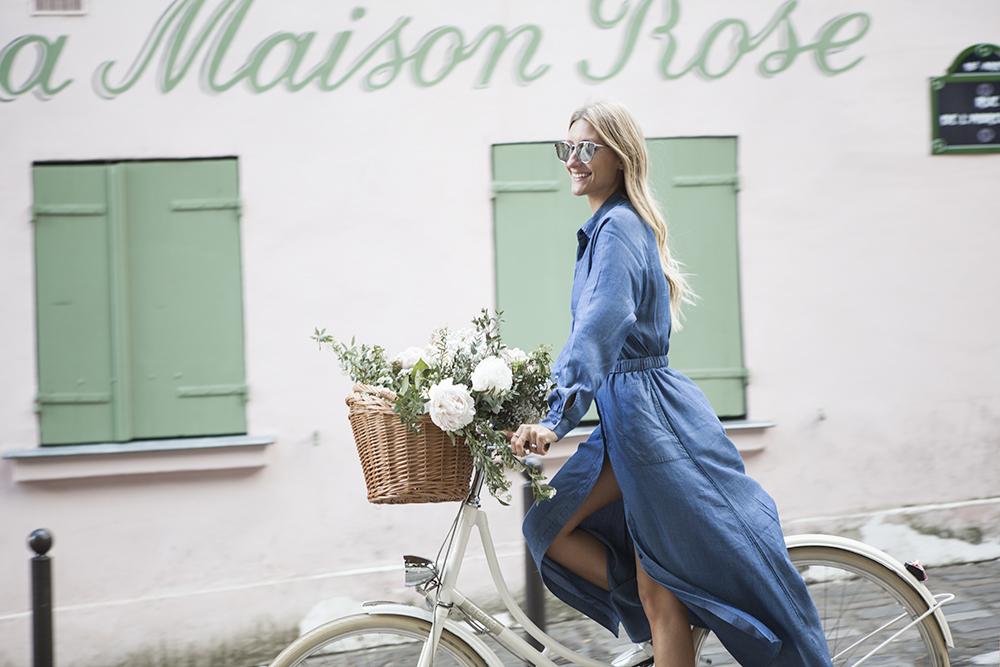 maison rose – with a flower bike through paris